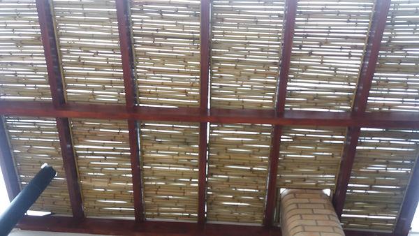 forro de bambu para churrasqueira