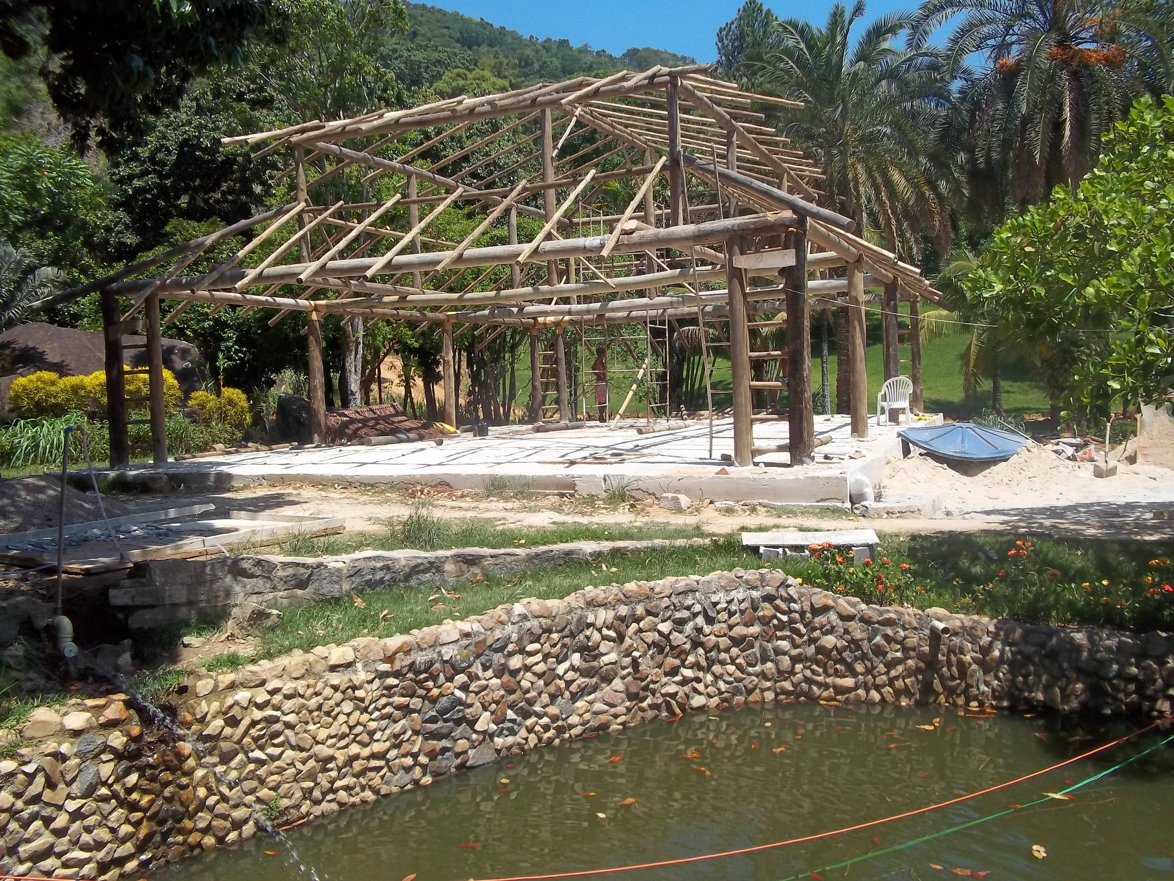estrutura de eucalipto tratado