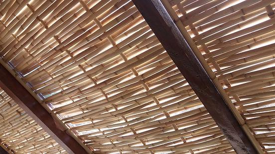 teto de bambu para pegolas