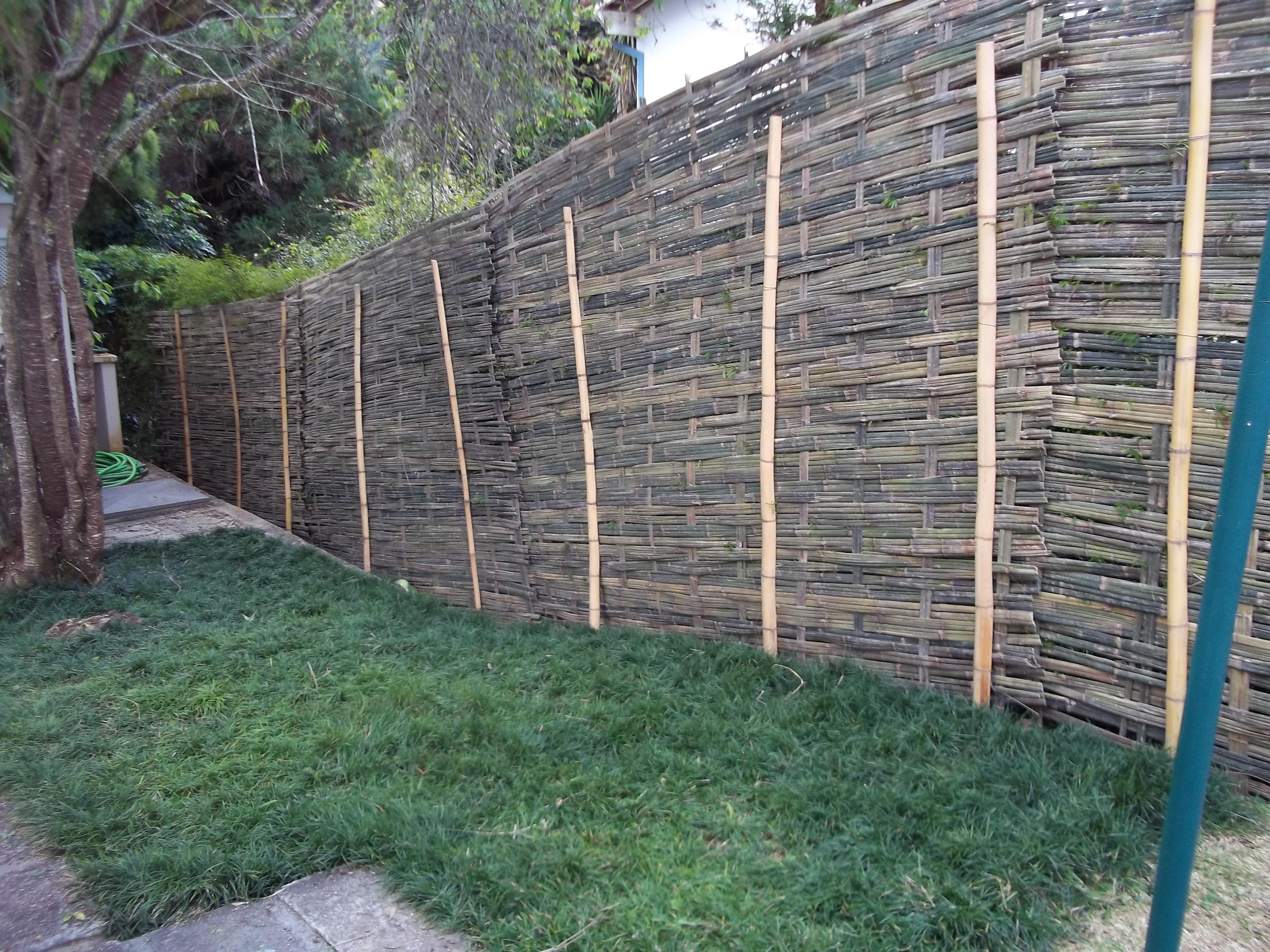 cerca de bambu taquara trançado