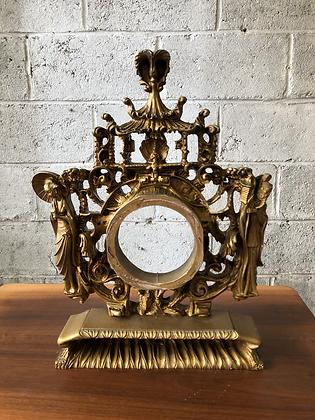 Cadre en bois doré sculpté - 793