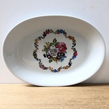 Assiette ovale de présentation en porcelaine - C367