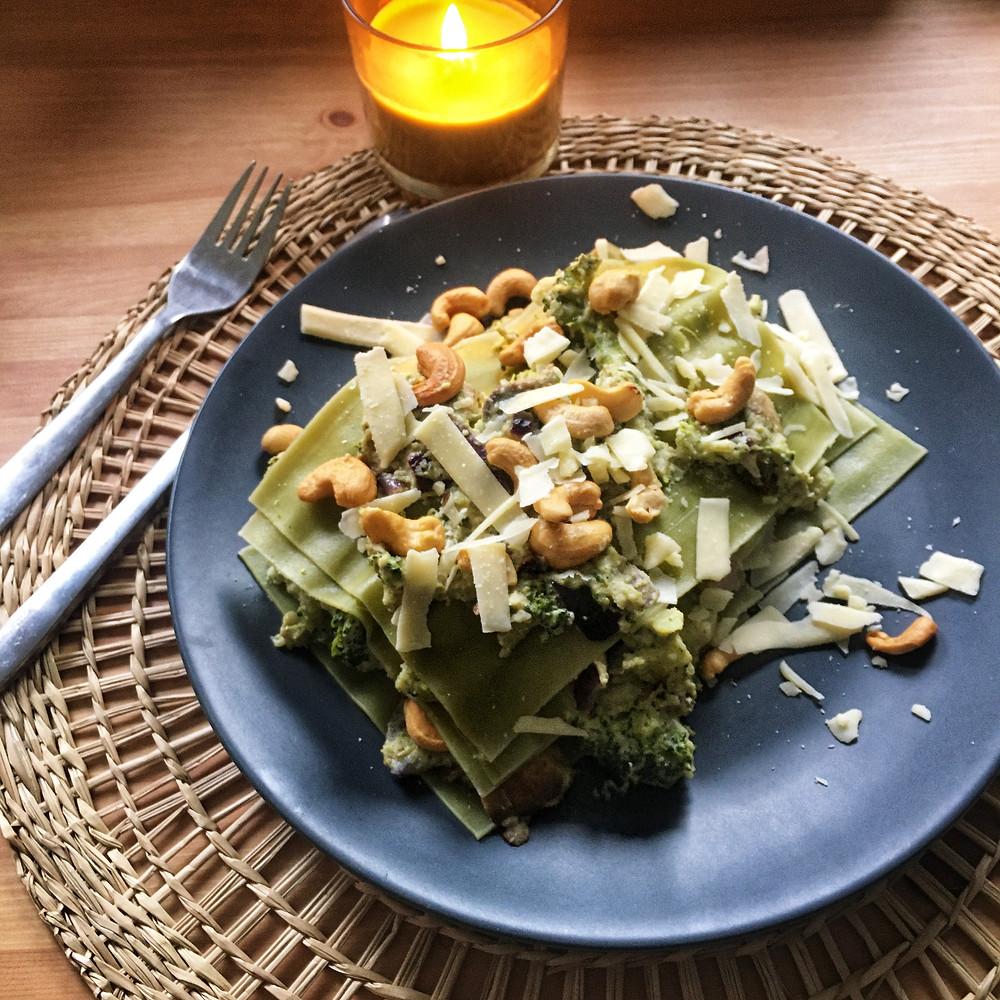 Blondies Keuken, blondieskeuken, makkelijke recepten, toegankelijke recpeten, Sam de Roos, Open lasagne, lasagne respect, lasagne, Broccolipesto, broccoli, cashewnoten, parmezaanse kaas, champignons, recept met broccoli, Honig, groene lasagnebladeren, kaarsje
