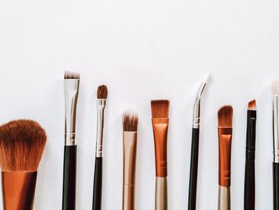 Make-up mit gutem Gewissen - die Naturkosmetik-Revolution