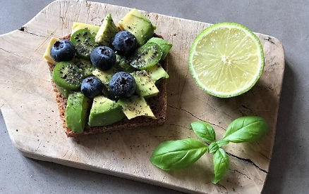avocado-heidelbeer-brot-rezept-myGiulia_
