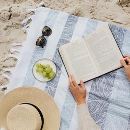 Strandlektüre, die jung hält - Jugendbücher für den Sommer