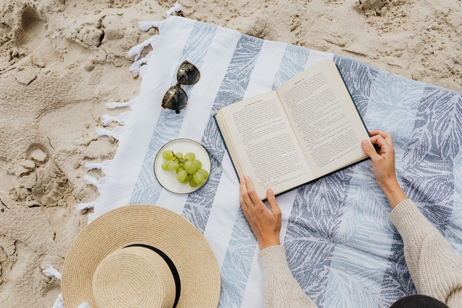 Lesen am Strand - Sommerbuch