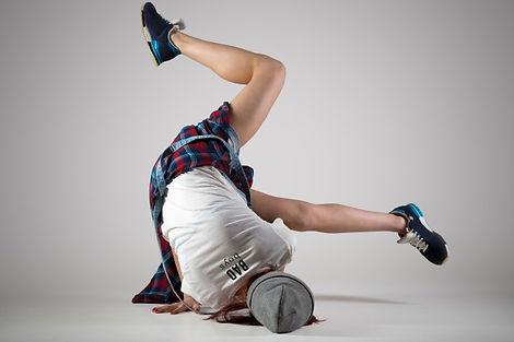 teen-breakdance-girl-dancing_1163-1396.j