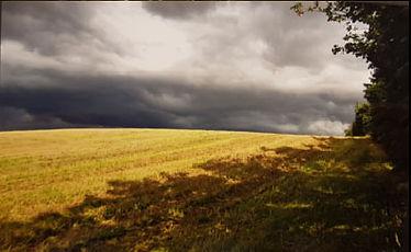 carin_sol_och_morka_moln.jpg