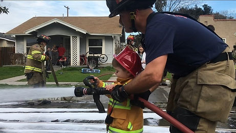 5129783_020919-kfsn-11p-kid-firefighter-