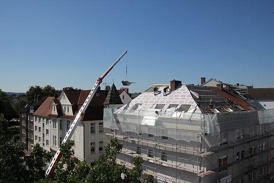 roofers-2681351_1920.jpg