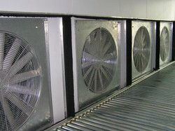 AUTOMATIC COOLING FOR PACKED PRODUCE