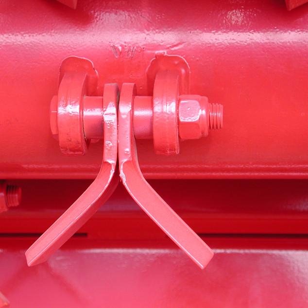 FFM-220 Hanger-Blades Close Up.jpg