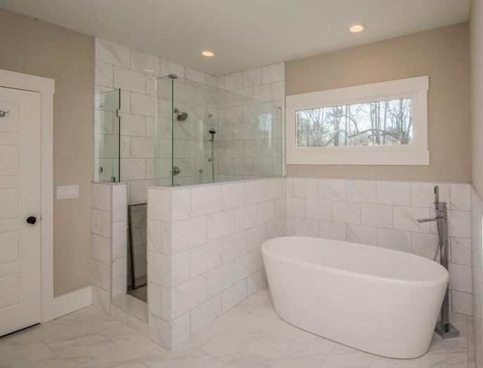 Silvastone - Master Bath