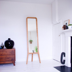r-mirror-interior4-72dpi