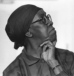 poet-gwendolyn-brooks_2.jpg