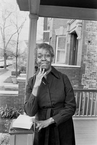 poet-gwendolyn-brooks-in-the-mid1960s_photo-by-art-shay.jpg
