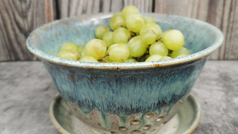 Berry bowl Available @thelocalmaker
