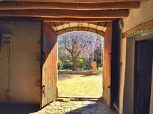 farmhouse-329066_1920.jpg