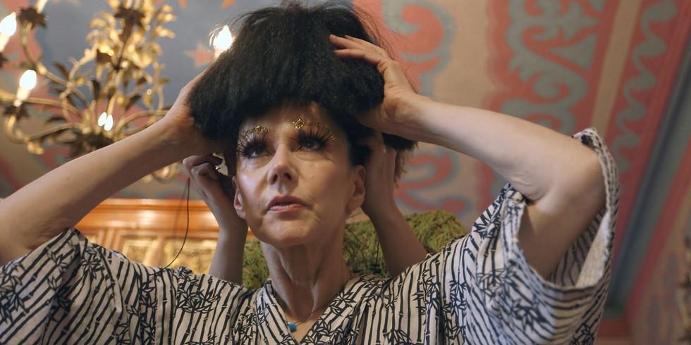 Susanne Bartsch: On Top (Virtual)