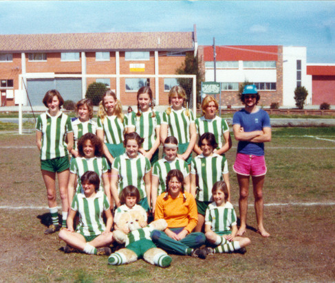 1978_early girls team.jpg
