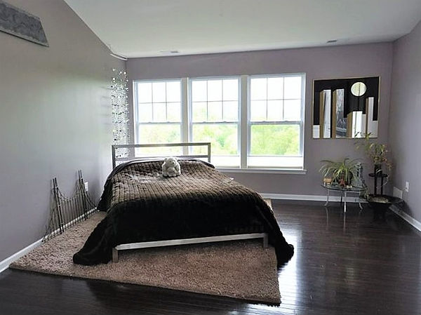 7 Master Bedroom b.jpg