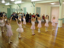 Ballet dance lesson for young kids