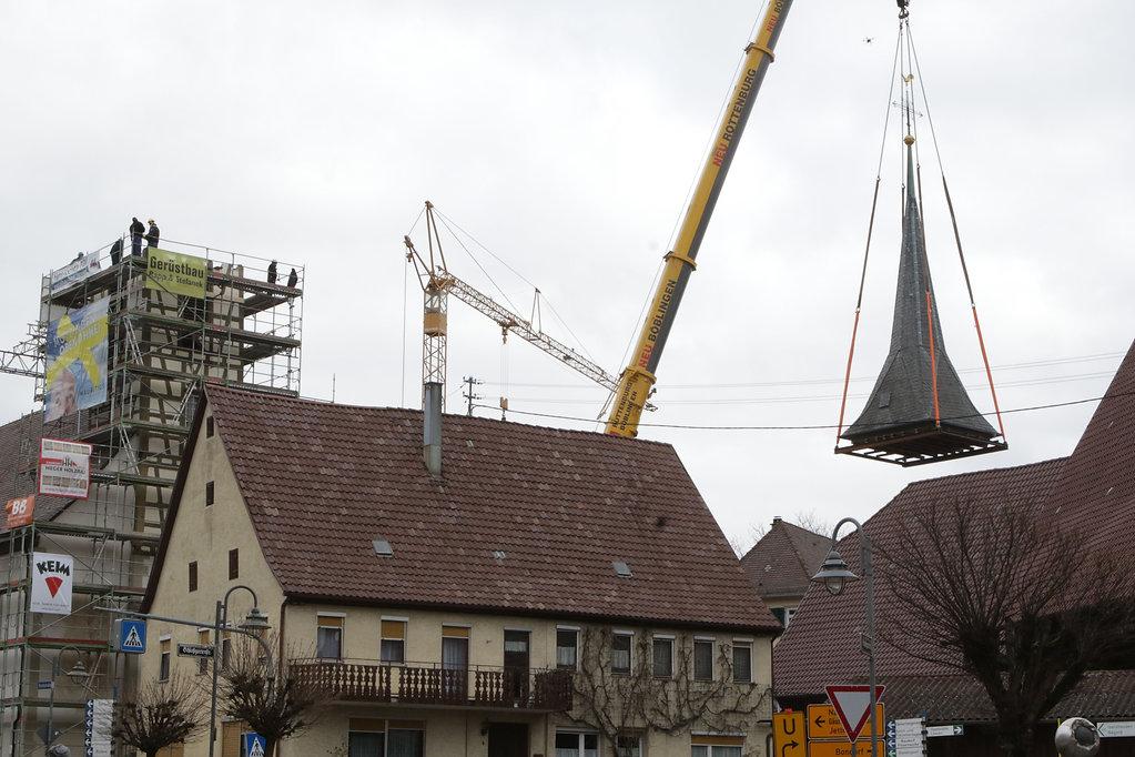 Mötzingen Kirche Turmspitze abnehmen 05.