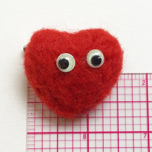 Small Red Felt Heart Pin by HeartyHarHar