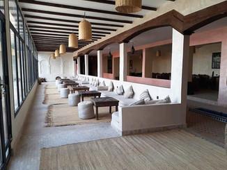 Salon_con_vistas_a_la_piscina_y_las_duna