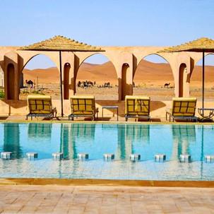 Piscina con vistas a las dunas. Nomad Pa