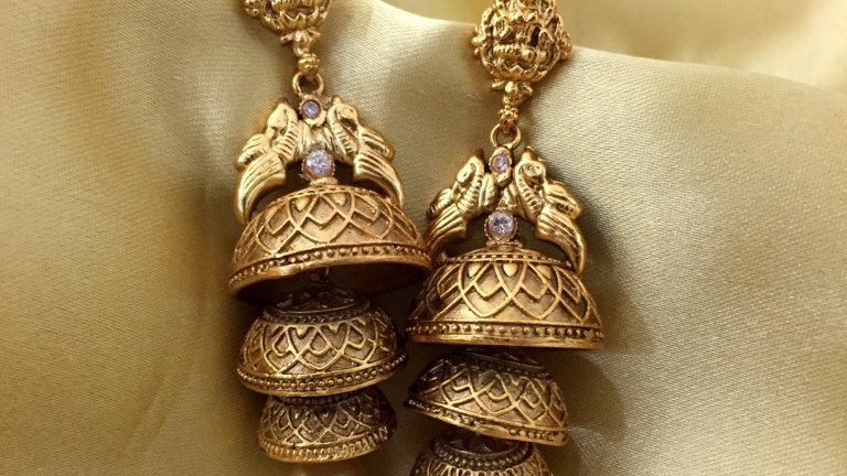 1 gram gold plated earring with warranty