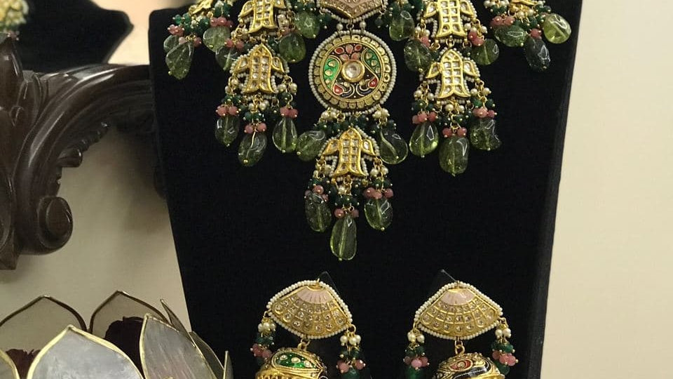 Amazing Design Thewa Style Wedding Necklace Set