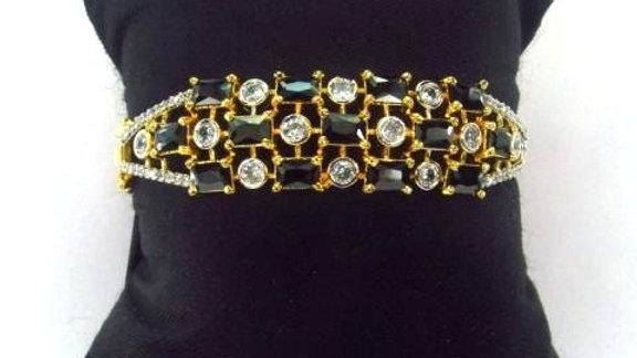 Buy this beautiful and elegant American diamond (Cubic zircon) Bracelet/Kada