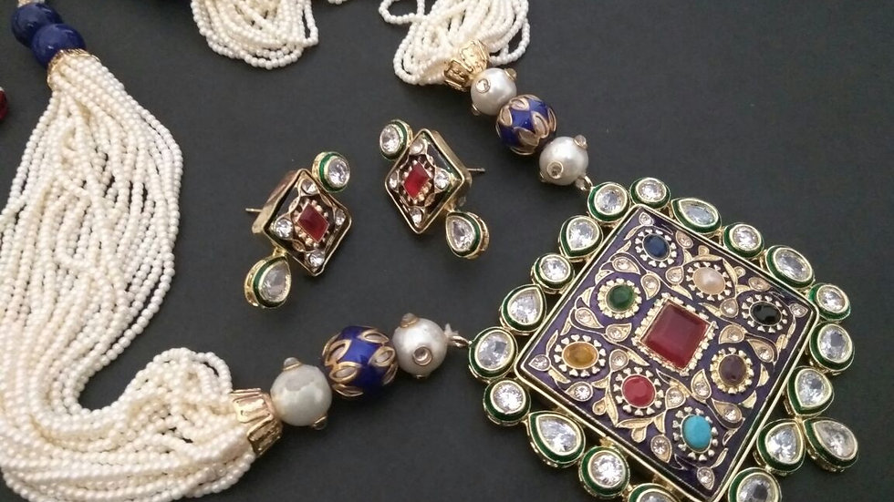 Precious Necklace studded with Kundan Stone, Hand-worked,Precious Stones