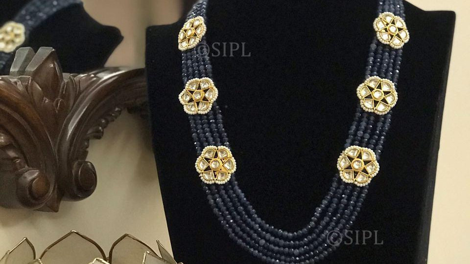 Beautiful Classic Kundan Necklace Set