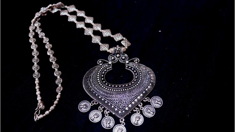 Oxidized Necklace along with long chain