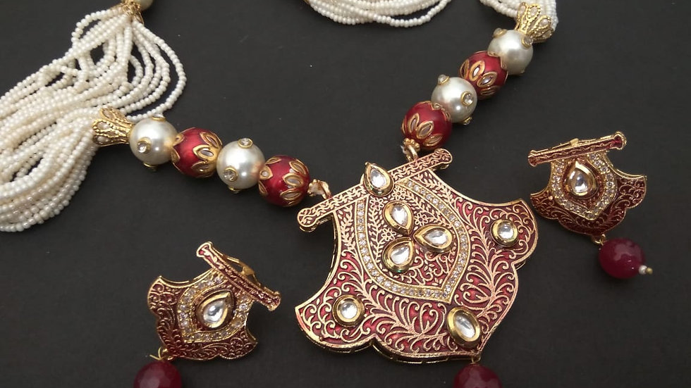 High Class Necklace made of mix metals and Kundan Stones with pearl chai