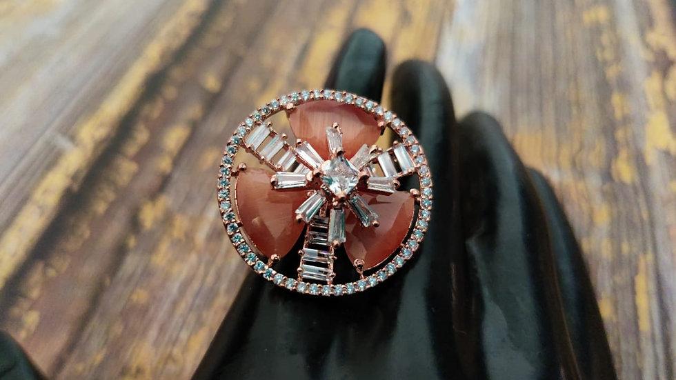 Cubic zircon, elegant and stylish finger ring