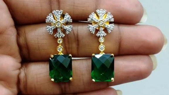 Small and elegant Cubic zircon earrings with warranty