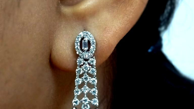 Small and elegant American Diamond Earring