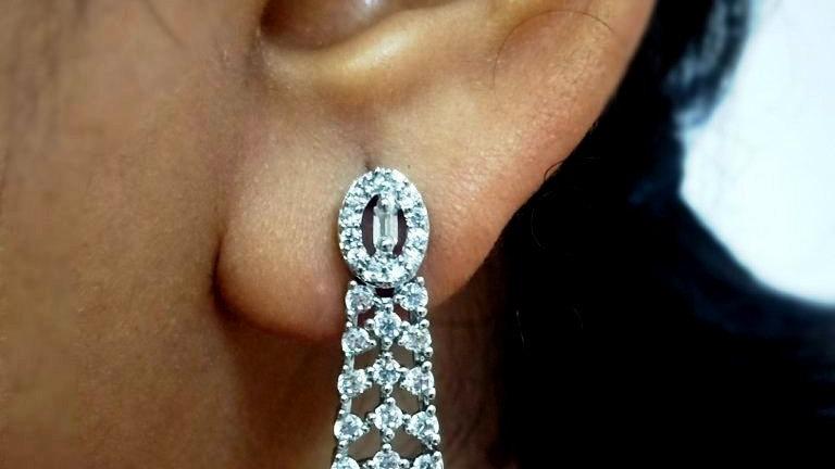 Small and elegant American Diamond Earring