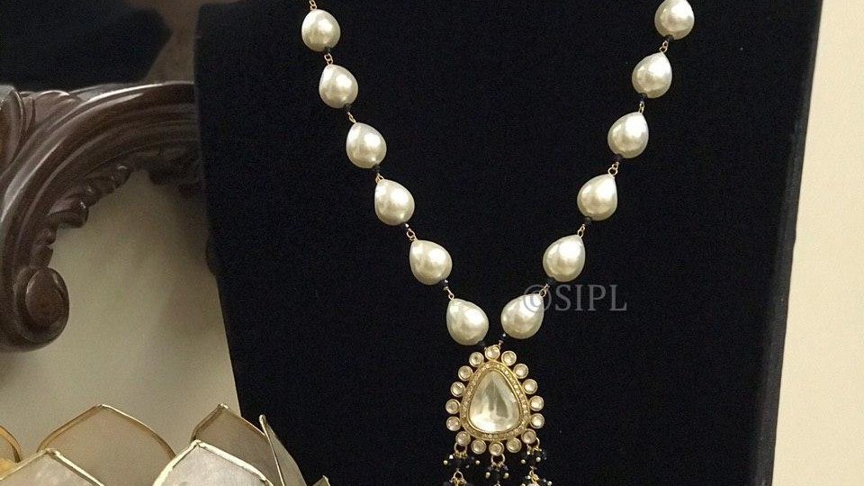 Amazing Design Gold Plated Kundan Polki Pendant Set with Natural Baroque Pearl