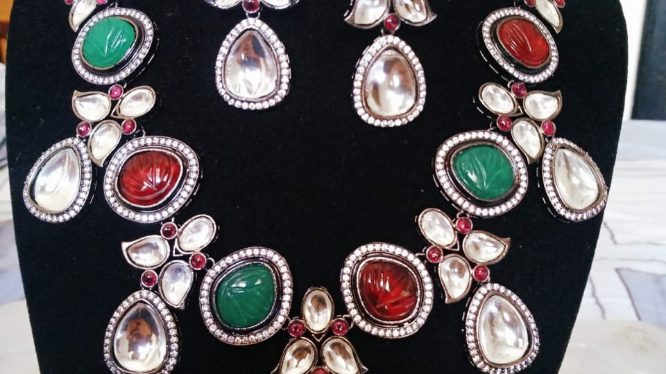 Multicolored Stylish Kundan Necklace set with beautiful pair of earrings