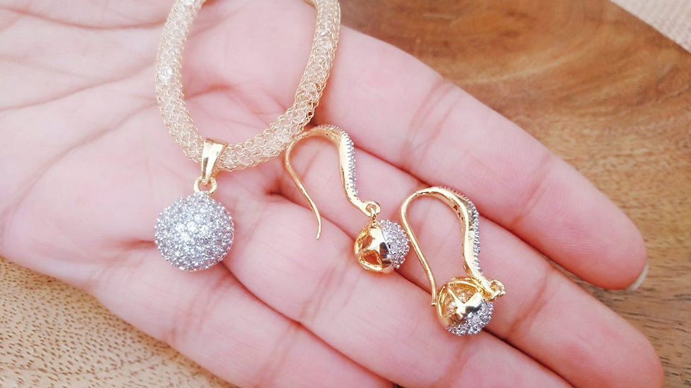 American Diamond pendant sets with an year warranty