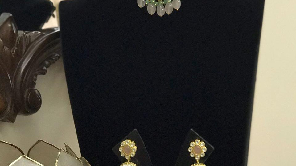 Beautiful Kundan Polki Necklace Set