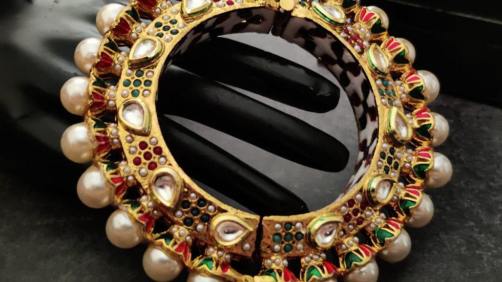 Beautifully meenakari worked Rajwadi kada