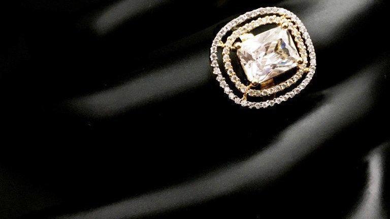 Beautiful and elegantly designed American diamond finger ring