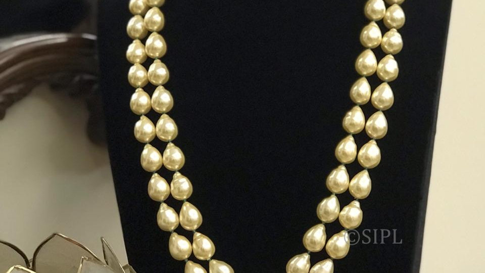Classy Shell Baroque Mala. Adds Elegance to your attire