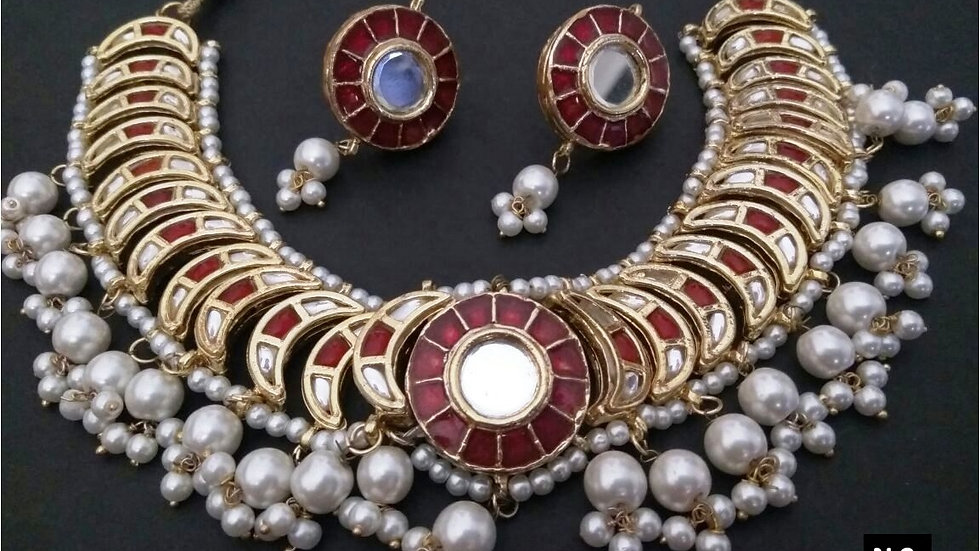 High class necklace set with warranty
